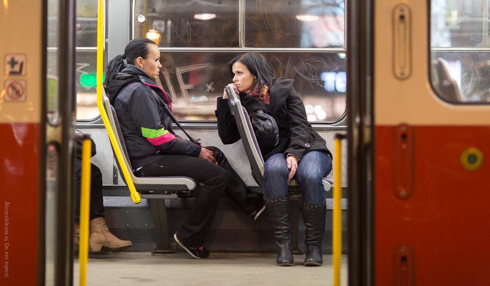 Kvinnor på spårvagn