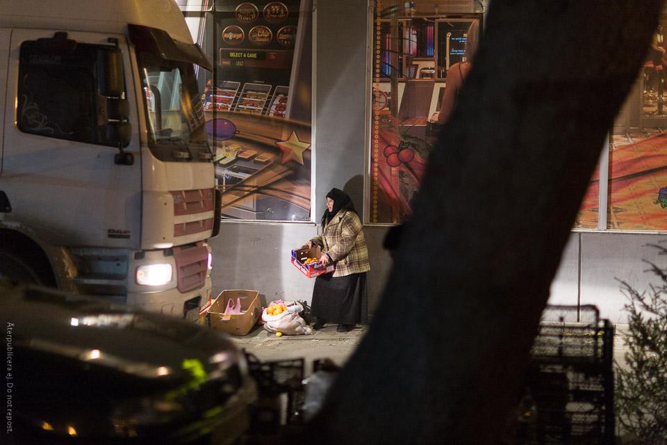 Fruktförsäljare och lastbil