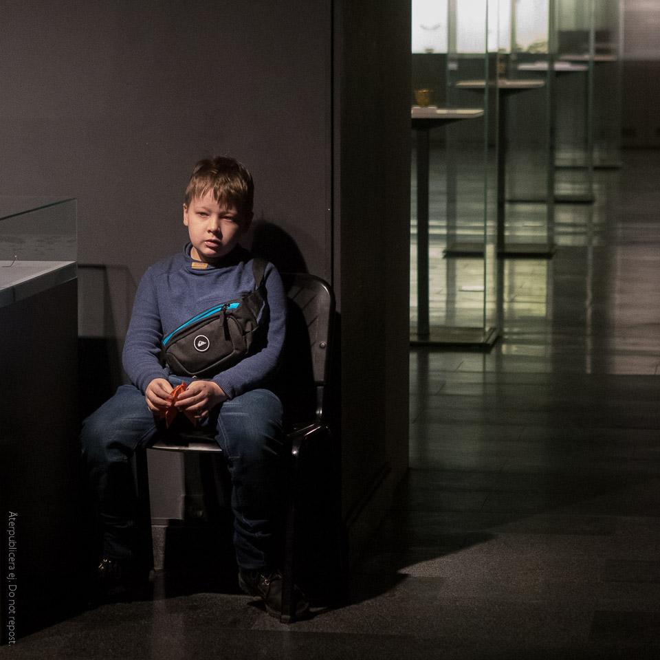 Pojke på museum