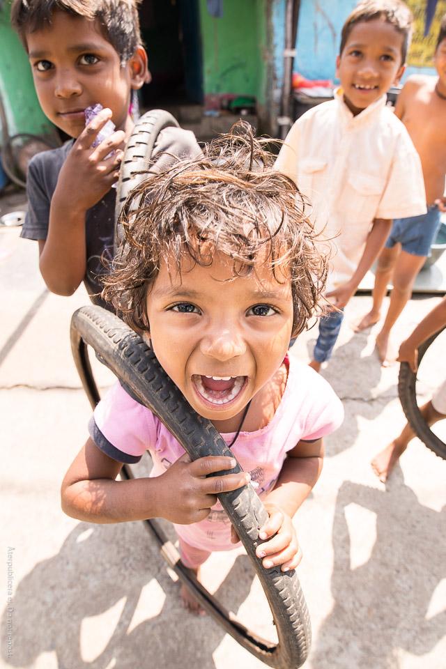 Barn med däck