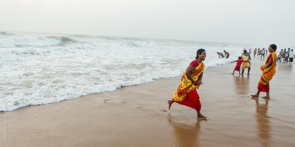 Spring på stranden