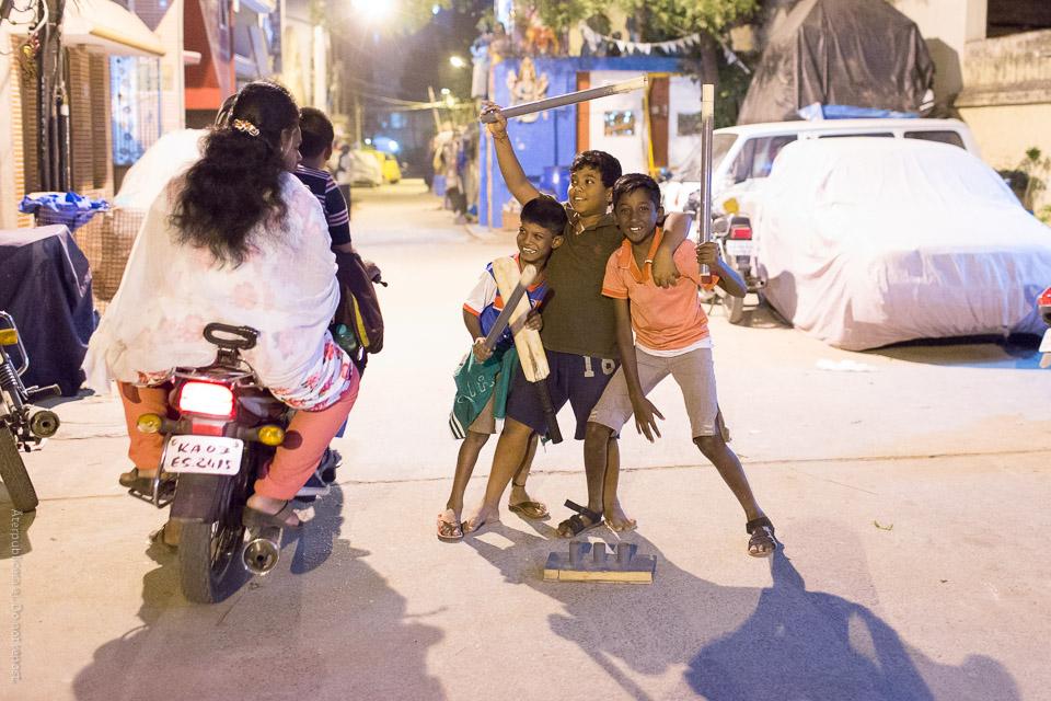 Cricketspelare och mopedister