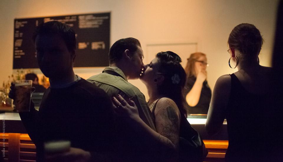 Kyss vid bardisk