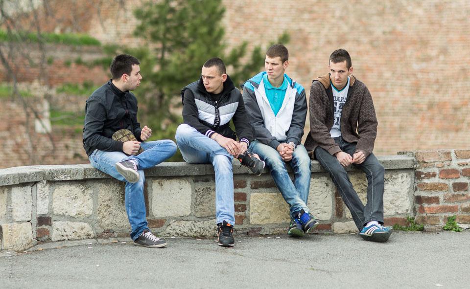 Män på mur