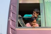 Personer i bussfönster